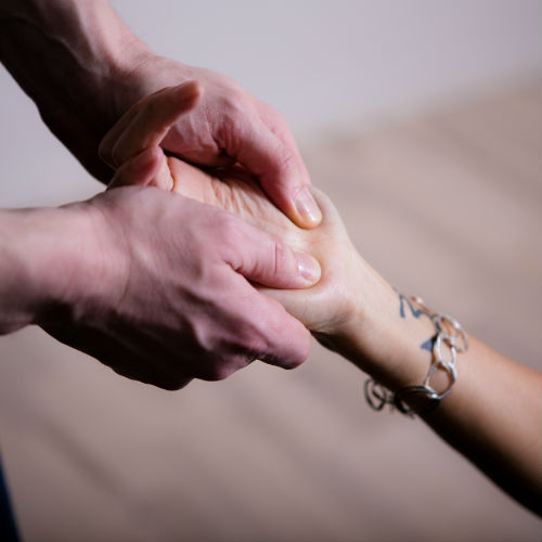 Håndledssmerter karpaltunnelsyndrom Kropsterapi Rudi Sorgenfri Totum