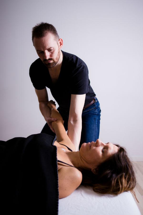 Indre barn terapi startes, forløses og integreres effektivt gennem kropsterapi
